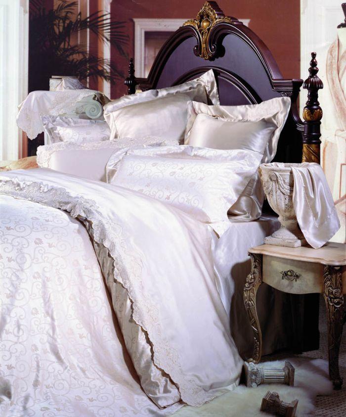 notre linge de lit en satin de soie jacquard et brod